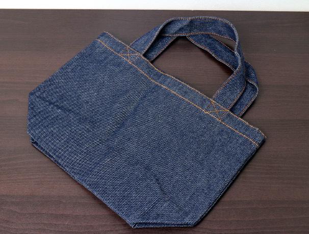 ベルティ・記念品として人気の厚手のコットンバッグやデニムバッグ