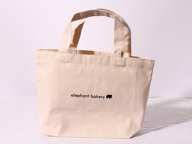パン屋さんで使われるトートバッグ